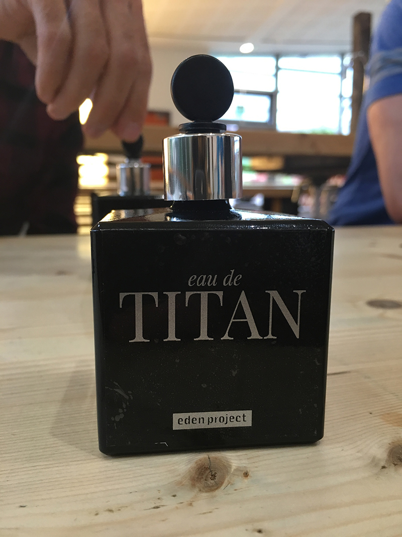 Eau De Titan